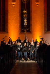 Voiceful the choir startet ihre Kirchentour 'We will rock you'